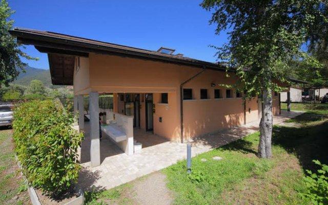 Отель Camping Villaggio Isolino Италия, Вербания - отзывы, цены и фото номеров - забронировать отель Camping Villaggio Isolino онлайн вид на фасад