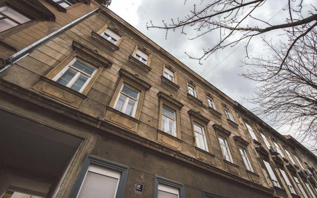 Апартаменты Tia Apartments and Rooms вид на фасад
