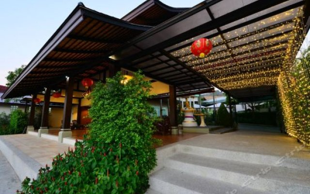 Отель Modern Thai Villa Rawai вид на фасад