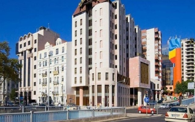 Отель Alif Campo Pequeno Лиссабон вид на фасад