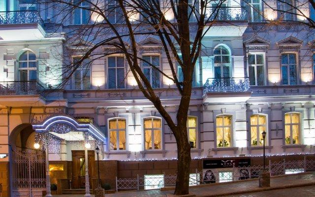 Бизнес Отель Континенталь Одесса вид на фасад