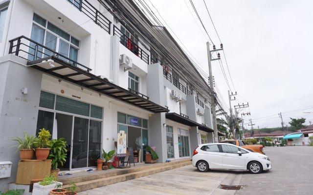 Отель PintomansionThalang вид на фасад