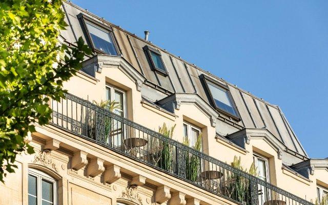 Отель Marais Grands Boulevards Париж вид на фасад
