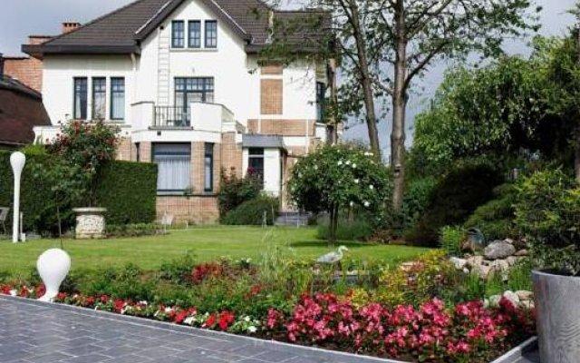 Отель La Roseraie Бельгия, Веммель - отзывы, цены и фото номеров - забронировать отель La Roseraie онлайн вид на фасад
