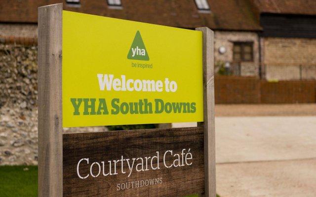 Отель YHA South Downs вид на фасад