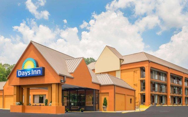 Отель Days Inn by Wyndham Knoxville East вид на фасад