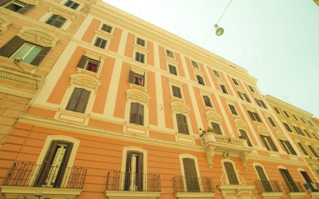 Отель Dandi Domus вид на фасад