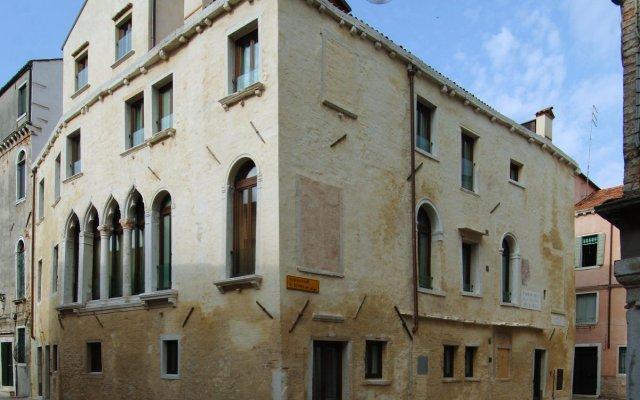 Hotel Ca' Zusto Venezia вид на фасад