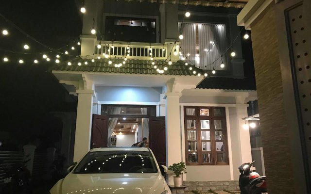 Отель Dalat CASA вид на фасад