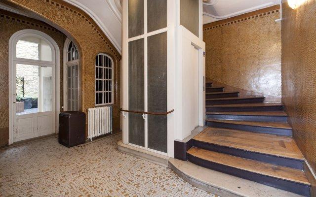 Le Marais - Hotel De Ville Apartments Париж вид на фасад