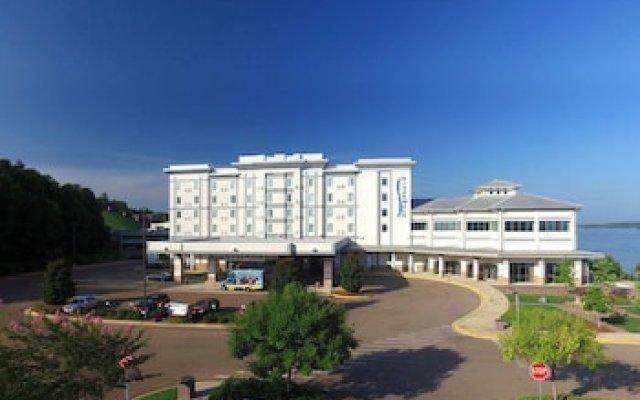 Riverwalk Casino Hotel вид на фасад