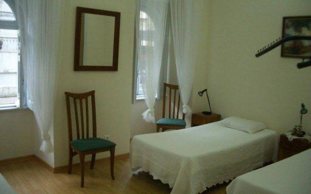 Отель Low Cost Rooms комната для гостей