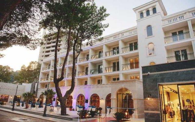 Отель Mojo Budva Черногория, Будва - отзывы, цены и фото номеров - забронировать отель Mojo Budva онлайн вид на фасад