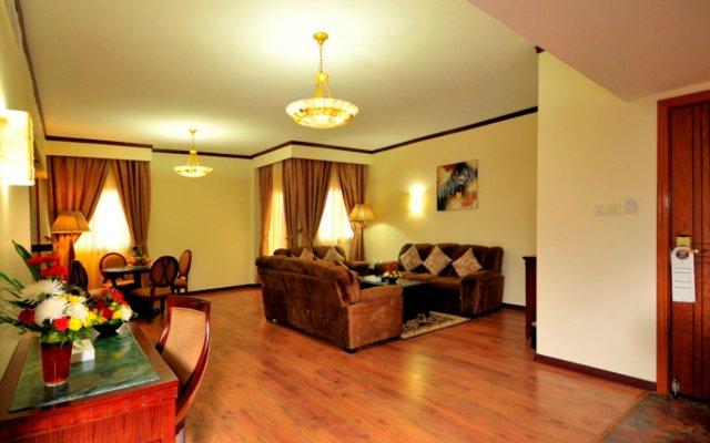 Tulip Inn Sharjah Hotel Apartments комната для гостей