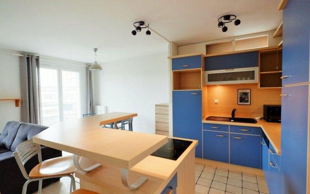 70 m² Avec Balcons et Parking 2