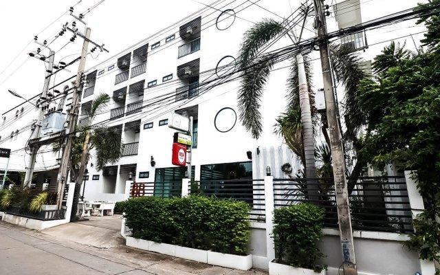 Отель Nida Rooms Ladkrabang 88 Silver Бангкок вид на фасад