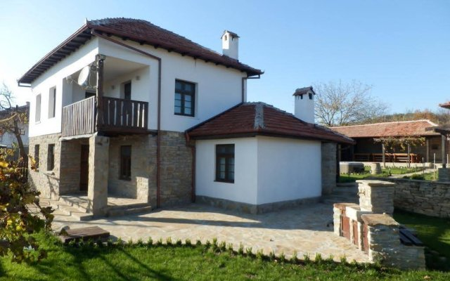 Отель Guest House Turkincha Болгария, Боженци - отзывы, цены и фото номеров - забронировать отель Guest House Turkincha онлайн вид на фасад