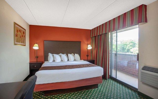 Americinn Hotel & Suites Bloomington West Блумингтон комната для гостей