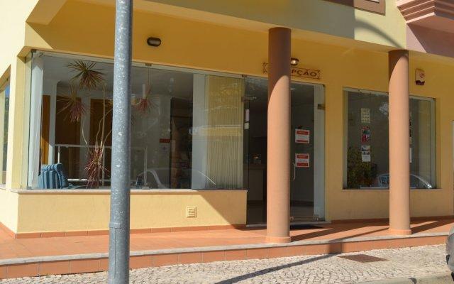 Отель Complexo Eden Vilage by Garvetur Португалия, Виламура - отзывы, цены и фото номеров - забронировать отель Complexo Eden Vilage by Garvetur онлайн вид на фасад