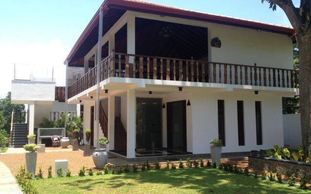 Отель Rockery Villa Шри-Ланка, Бентота - отзывы, цены и фото номеров - забронировать отель Rockery Villa онлайн вид на фасад
