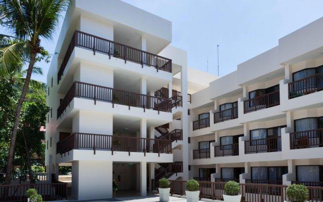 Patong Lodge Hotel вид на фасад