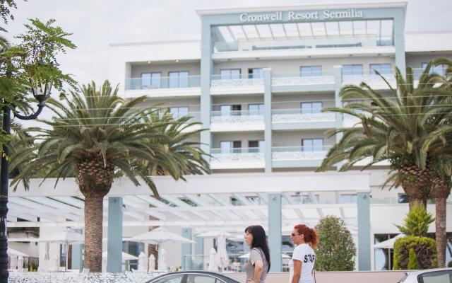 Отель Cronwell Resort Sermilia вид на фасад
