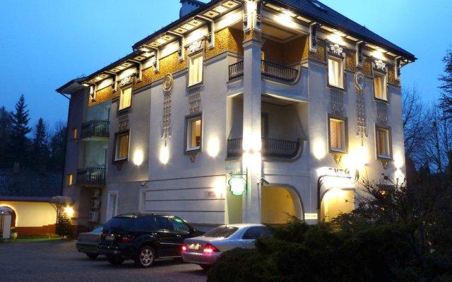 Отель «Эней»