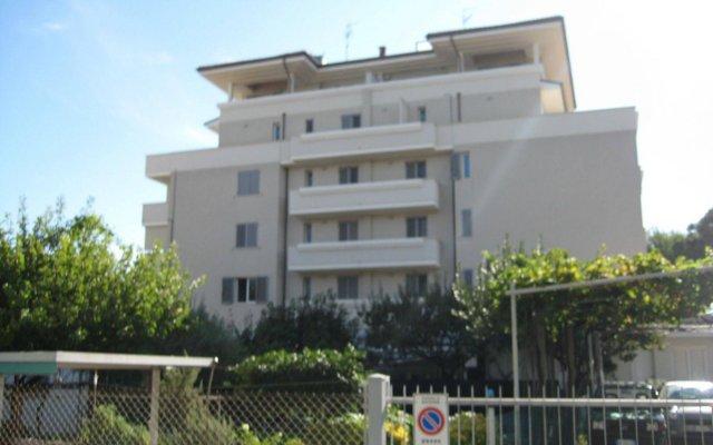 Отель Residence Alba Риччоне вид на фасад
