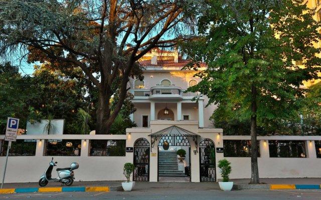 Padam Boutique Hotel & Restaurant вид на фасад