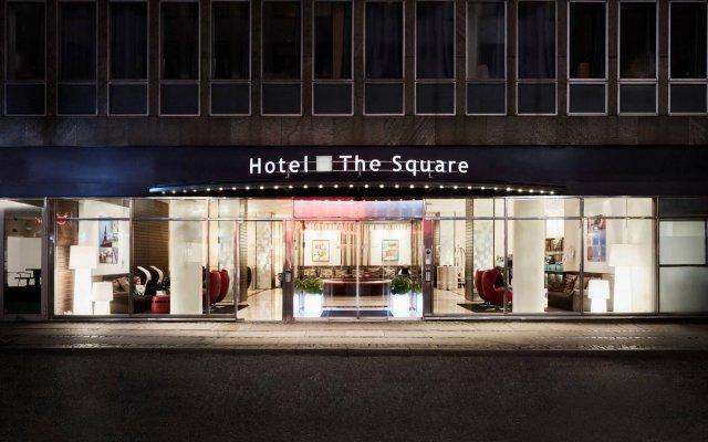 Отель The Square вид на фасад