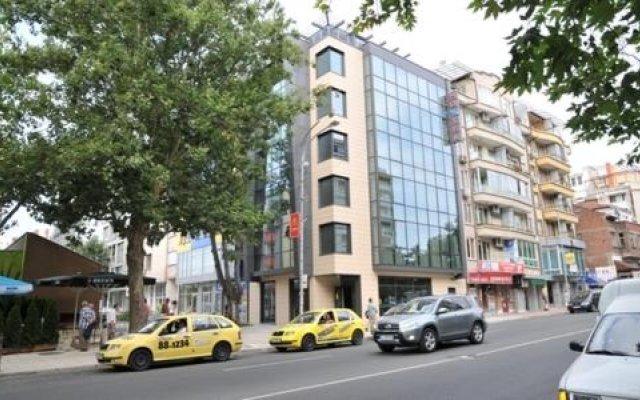 Отель Burgas Free University Болгария, Бургас - отзывы, цены и фото номеров - забронировать отель Burgas Free University онлайн вид на фасад