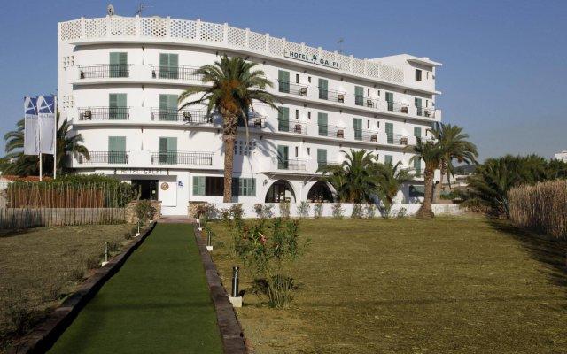 Отель azuLine Hotel Galfi Испания, Сан-Антони-де-Портмань - 1 отзыв об отеле, цены и фото номеров - забронировать отель azuLine Hotel Galfi онлайн вид на фасад