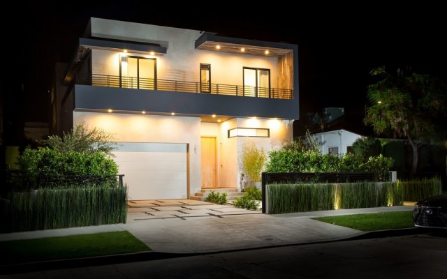 Отель Sycamore Villa США, Лос-Анджелес - отзывы, цены и фото номеров - забронировать отель Sycamore Villa онлайн вид на фасад