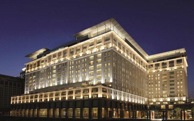 Отель The Ritz-Carlton, Dubai International Financial Centre ОАЭ, Дубай - 8 отзывов об отеле, цены и фото номеров - забронировать отель The Ritz-Carlton, Dubai International Financial Centre онлайн вид на фасад