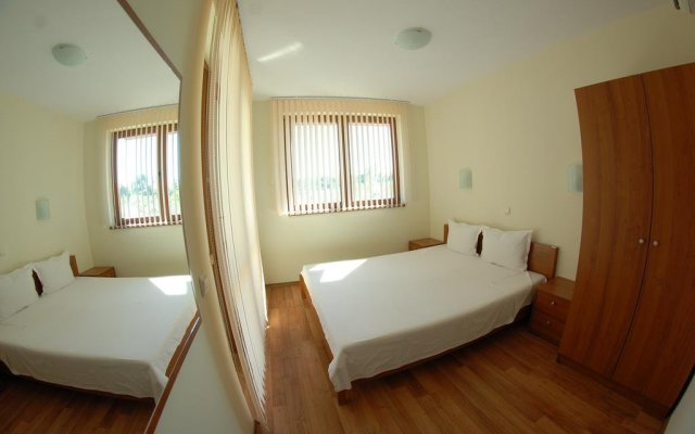 Отель Oasis Beach Resort Kamchia Болгария, Варна - отзывы, цены и фото номеров - забронировать отель Oasis Beach Resort Kamchia онлайн комната для гостей