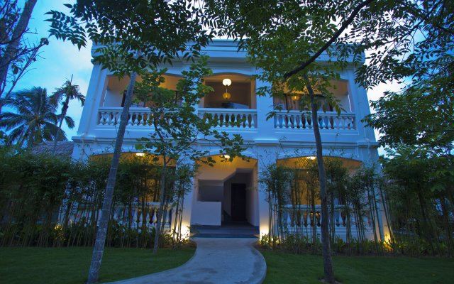 Отель Palm View Villa вид на фасад