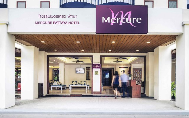 Отель Mercure Pattaya вид на фасад