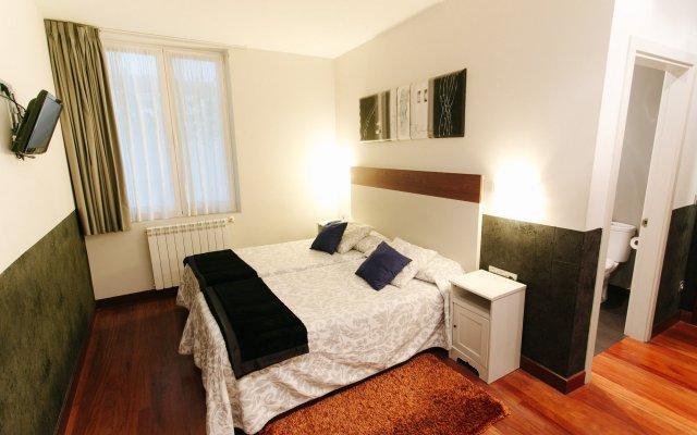 Отель Pension San Sebastian Centro комната для гостей
