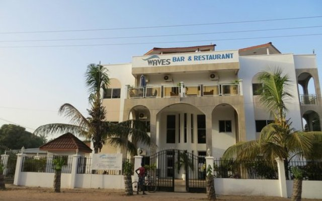 Wavecrest Hotel Gambia- Apartments in Serrekunda, Gambia from 97$, photos, reviews - zenhotels.com hotel front