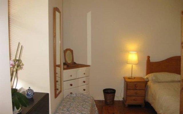 Отель Sweet 1 Bedroom Apartment in Old Town Великобритания, Эдинбург - отзывы, цены и фото номеров - забронировать отель Sweet 1 Bedroom Apartment in Old Town онлайн комната для гостей