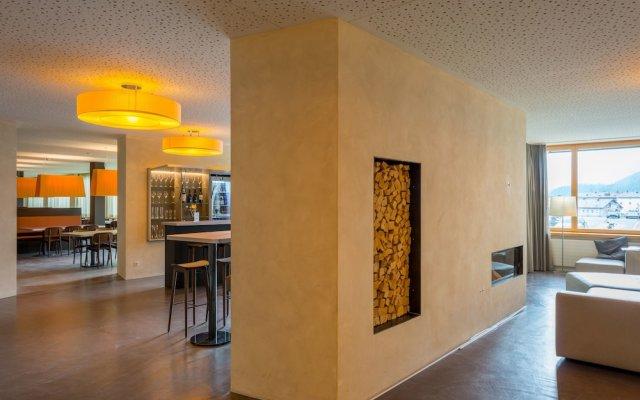 Отель Youth Hostel St. Moritz Швейцария, Санкт-Мориц - отзывы, цены и фото номеров - забронировать отель Youth Hostel St. Moritz онлайн интерьер отеля