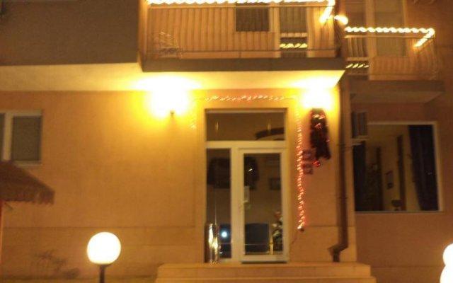 Elit Hotel вид на фасад