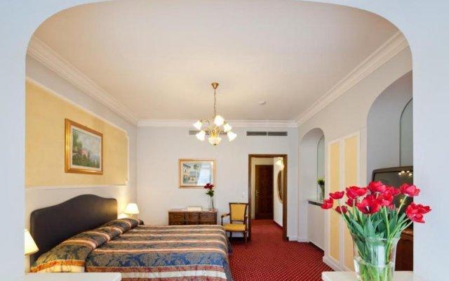 Отель La Residence & Idrokinesis Италия, Абано-Терме - 1 отзыв об отеле, цены и фото номеров - забронировать отель La Residence & Idrokinesis онлайн комната для гостей