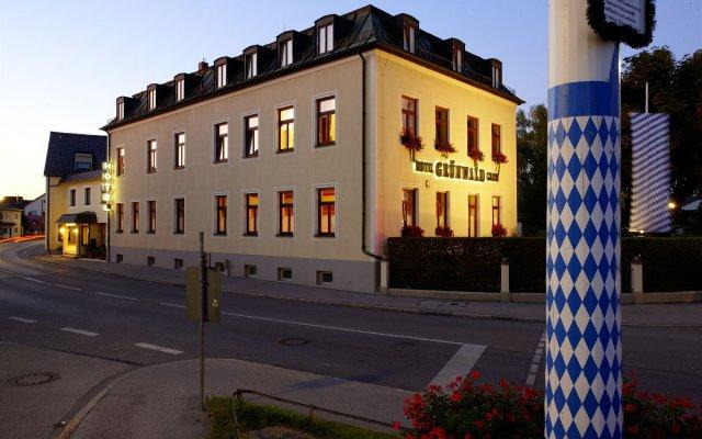 Hotel Grünwald вид на фасад