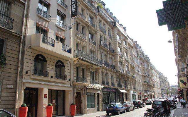 Отель Hôtel Westside Arc de Triomphe вид на фасад