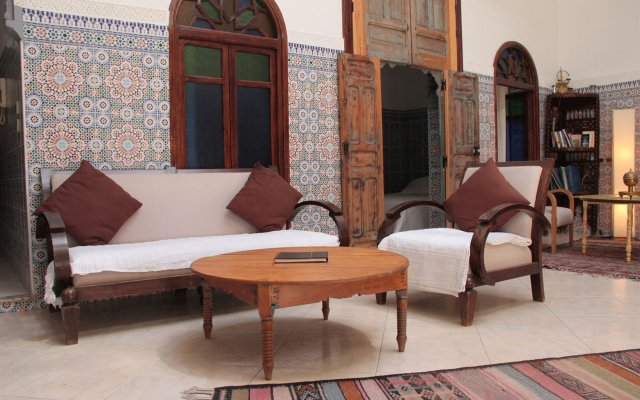 Отель Riad Dar Nawfal Марокко, Схират - отзывы, цены и фото номеров - забронировать отель Riad Dar Nawfal онлайн вид на фасад