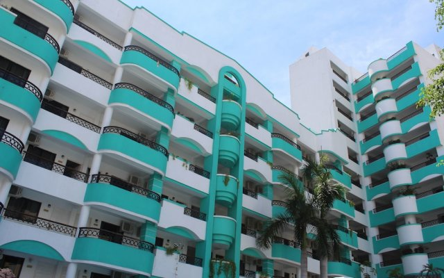 Hotel Playa Marina вид на фасад