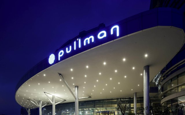 Pullman Istanbul Airport and Convention Center Hotel вид на фасад