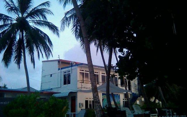 Отель Batuta Maldives Surf View Guest House Мальдивы, Северный атолл Мале - отзывы, цены и фото номеров - забронировать отель Batuta Maldives Surf View Guest House онлайн вид на фасад