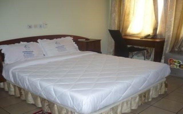 Отель Résidence Hôtelière de Moungali Республика Конго, Браззавиль - отзывы, цены и фото номеров - забронировать отель Résidence Hôtelière de Moungali онлайн комната для гостей